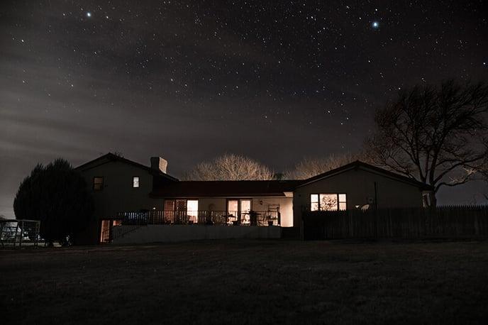 maison-nuit-etoiles